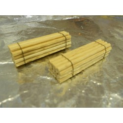 ** Heico 220425 2 x Stack of Wooden Poles 40mm TT / N