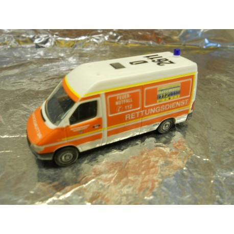 """** Herpa 046039 Mercedes Benz Sprinter KTW """"Fire Department Dusseldorf"""""""
