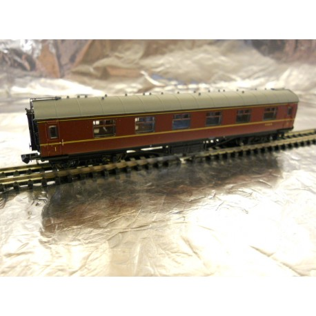 ** Graham Farish 374847A Stanier First Corridor Coach BR Maroon