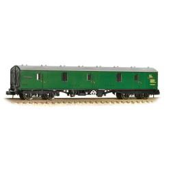 ** Graham Farish 374-131A x 2 BR Mk1 GUV BR Green