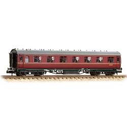 ** Graham Farish 374-842B x 2 Stanier Vestibule Second BR Maroon