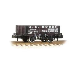 ** Graham Farish 377-060 x 2 5 Plank Wagon Wooden Floor 'A. E. Moody'