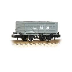 ** Graham Farish 377-087 x 2 7 Plank Wagon End Door LMS Grey