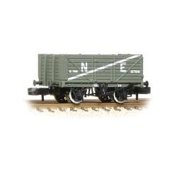 ** Graham Farish 377-090 x 2 7 Plank Wagon End Door NE Grey