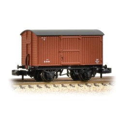 ** Graham Farish 377-976A x 2 12 Ton Eastern Ventilated Van Planked Ends BR Bauxite (Early)