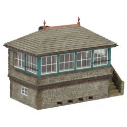 ** Graham Farish 42-176 x 1 Scenecraft Stone Signal Box (Pre-Built)