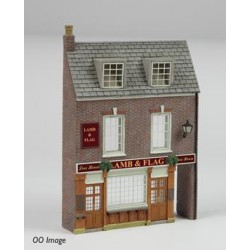 ** Graham Farish 42-232 x 1  Scenecraft Low Relief Pub (Pre-Built)