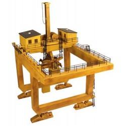 ** Bachmann 44-0009  x 1 Scenecraft Container Terminal Crane (Pre-Built)