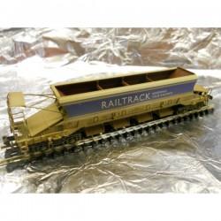 ** Graham Farish 377701A JJA Mk2 Auto-Ballaster Non-Generator Flat Profile Railtrack Weathered