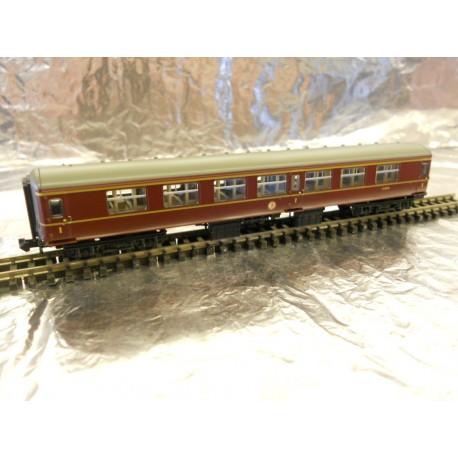 ** Graham Farish 374-952 Mk2A FK 1st Class Coach BR Maroon