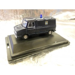 ** Oxford Diecast 76SHP003 Sherpa Van Metropolitan Police