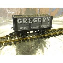 ** Dapol 4F-072-009 7 Plank Wagon 9ft Wheelbase Gregory