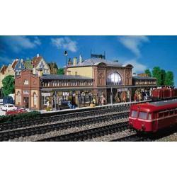 ** Faller 110115 Mittelstadt Station Kit I