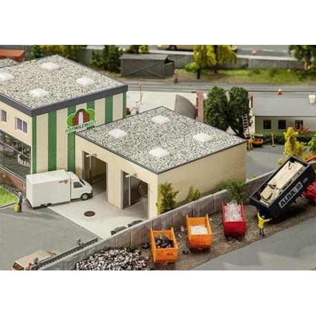 ** Faller 130197 Milk Unloading Station with Weighbridge Kit V