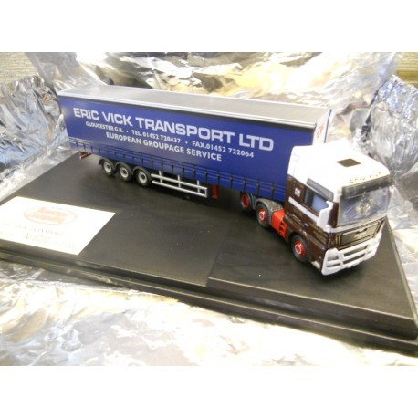 ** Oxford Diecast MAN02CS  OO MAN TFGX XLX Curtainside Eric Vick Transport