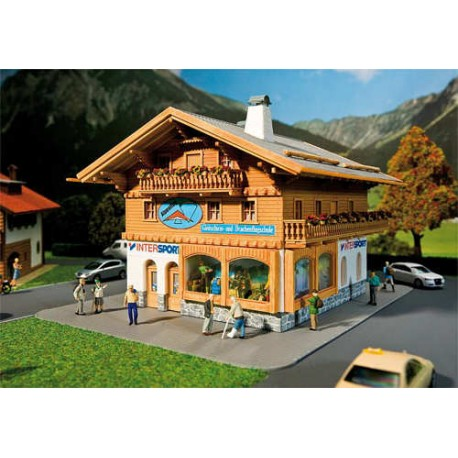 ** Faller 130331 Sports Shop/Paragliding School Kit IV