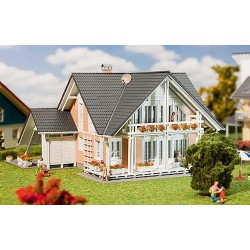 ** Faller 130394 Prestige House Kit V
