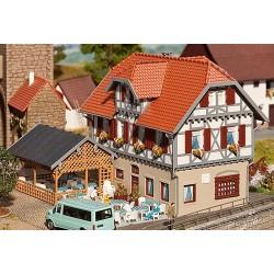 ** Faller 130438 The Sonne Inn with Summerhouse Kit I