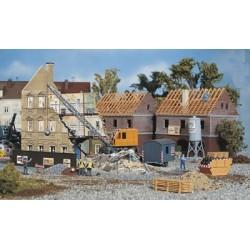 ** Faller 130466 Town House Under Demolition Kit II