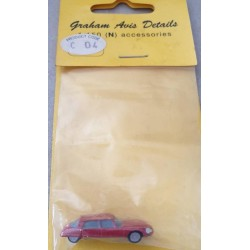 Graham Avis Details C04 Saloon Red Car 1:150 N Scale