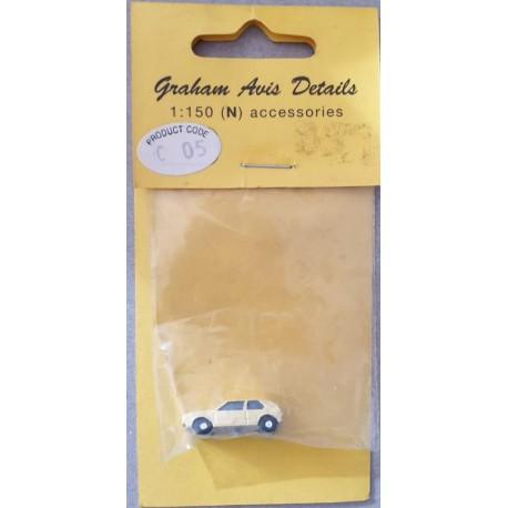 ** Graham Avis Details C05 Hatch Back Yellow Car 1:150 N Scale