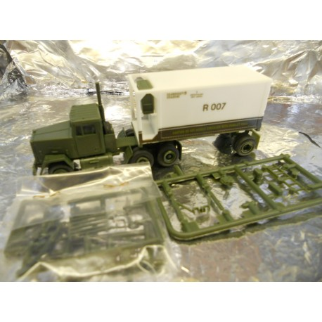 ** Trident 90043 M915 with Refrigerated Trailer US