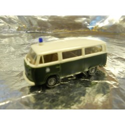 ** Brekina 33083 VW T2 Police Bus Green/White Polizei