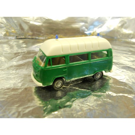 ** Brekina 33801 Police Van Green with White Roof