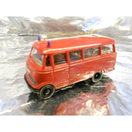 ** Brekina 36130 Mercedes Benz 319 Bus Red  Feuerwehr