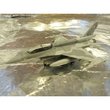 ** Herpa Wings 550369 Polish Air Force Lockhead Martin F16-D 'Block 52' '6. ELT'