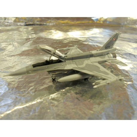 ** Herpa Wings 550499 Polish Airforce Lockheed Martin F16-D 'Block 52' '6. ELT'