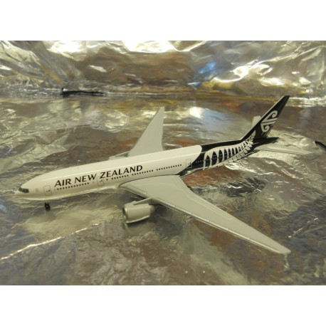 ** Herpa Wings 528450 Air New Zealand Boeing 777-200