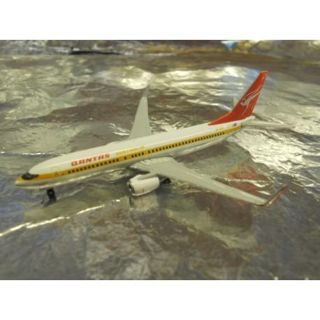 """** Herpa Wings 527637 Qantas Boeing 737-800 """"Retrojet"""""""