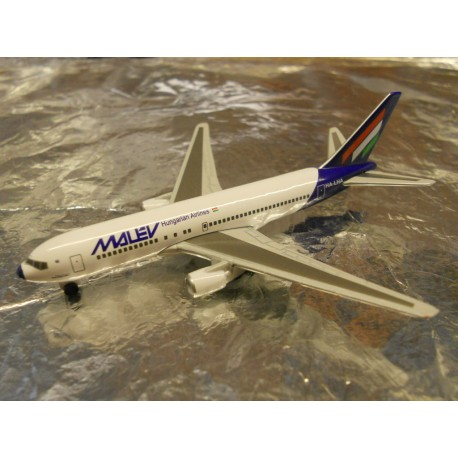 ** Herpa Wings 470070  Malev Boeing 767-200 (Magic)