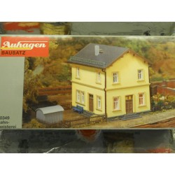 ** Auhagen 10349 Residential Building for Railway Officials Kit