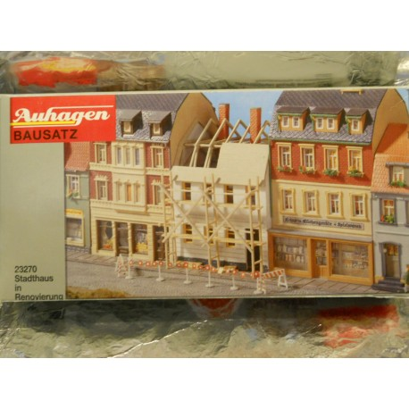 ** Auhagen 23270  Townhouse under Renovation Kit