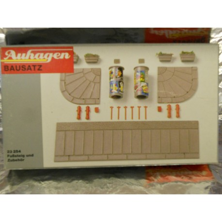 ** Auhagen 23254  Pavements and Accessories Kit