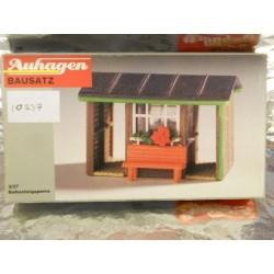 ** Auhagen 10337  Platform Barrier Hut Kit