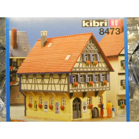 ** Kibri 8473 Town House with Museum