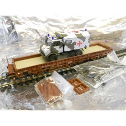 ** Roco 47398 2 Axled Stake Wagon loaded with 1 Unimog Military Ambulance