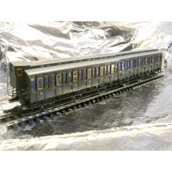 ** Roco 64014 DRG 2 x Coupled 6 Wheel Coaches 3rd Class DRG Green