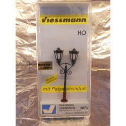 ** Viessmann 6073  Park Light with 2 Lanterns 12-16 Volts